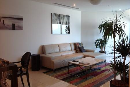 Luxury 2 bedroom great location - Apartmen