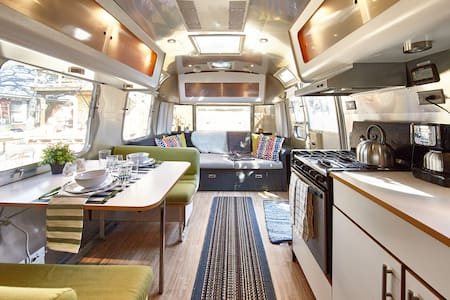 Airstream Oasis - Lower Greenville - Dallas