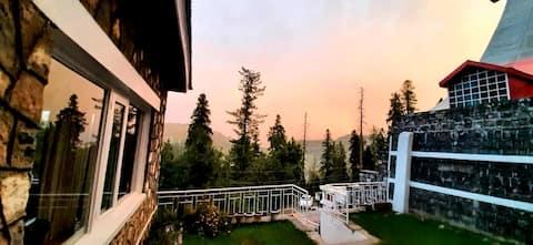Green Cottage NathiaGali(Near Alpine Hotel)