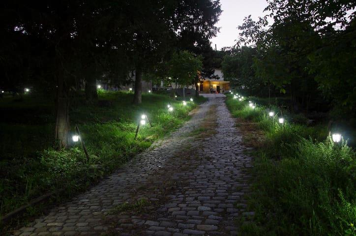 MK Rooms - Kojori Residential Hotel Apt.#1 - Tbilisi - Huis