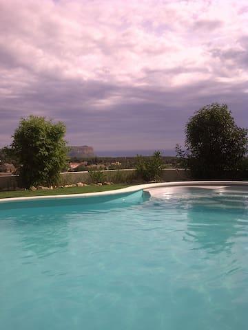 Appartement dans Villa avec Piscine - Carnoux-en-Provence - Dům