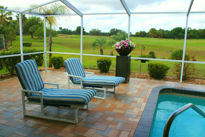 Great house, private pool, view over golfcourse