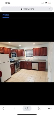 3 BDR House Quiet nbrhood, close to everything