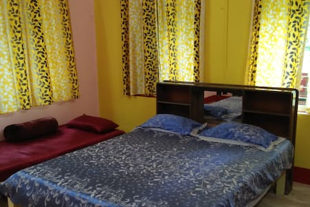 Santiniketan; Room with a garden