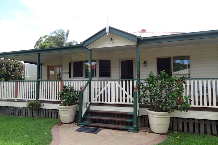 Joma Cottage - 3 room cosy Guest suite + Bathroom