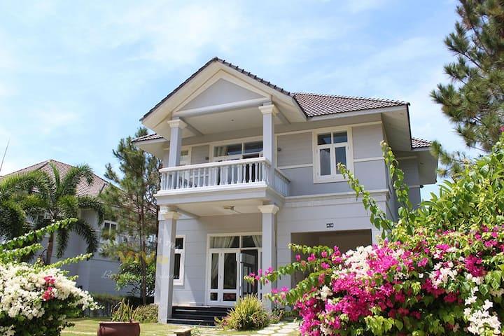 Homestay Villa at Sealink City |FREE: Sauna