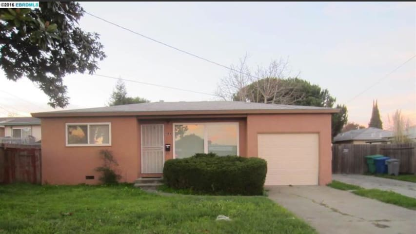 (2 Bed-Vacation House)Oakland-EastBay