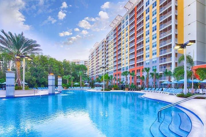 VACATION VILLAGE AT PARKWAY 5 minutes from Disney
