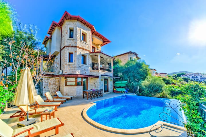 Villa Noa :Muhteşem Manzara, Özel Havuz