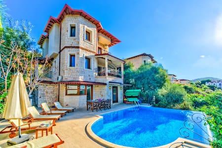 Villa Noa :  Unforgettable Views of Kaş