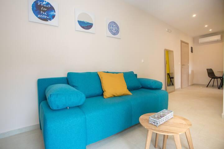 Newly equipped apartment Malvazija