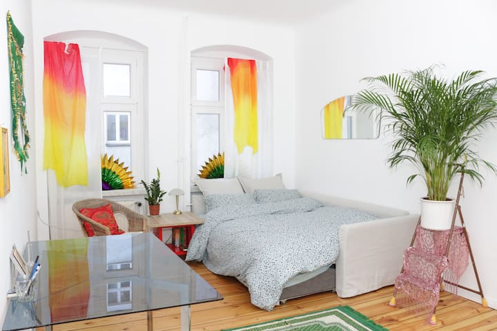 Hip, Spacious and Private Room in Rixdorf Neukölln