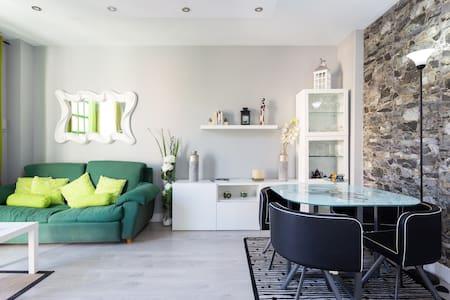 HomeLike Stunning Sea Front House +Wifi