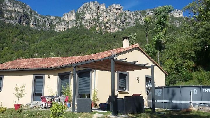 maison piscine privée, gorges du Tarn,  liaucous