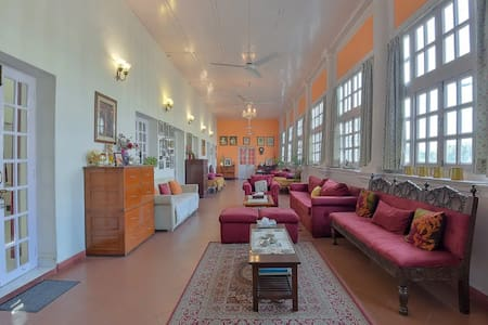Priti Niwas - Heritage Home in Connaught Place