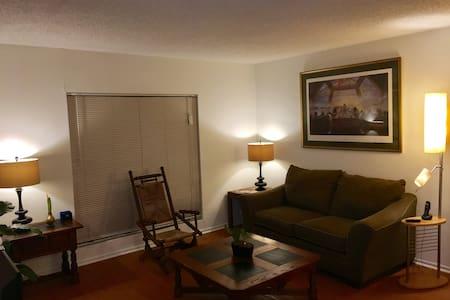 Appealing Apartment - Value/Economy/Pickup/Dropoff - Greensboro - Lakás