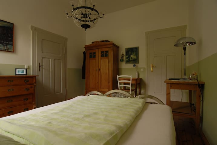 Guest  Room In Ancien Villa