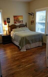 1 BR/1 BT near Hwy 26 and Intel - Hillsboro