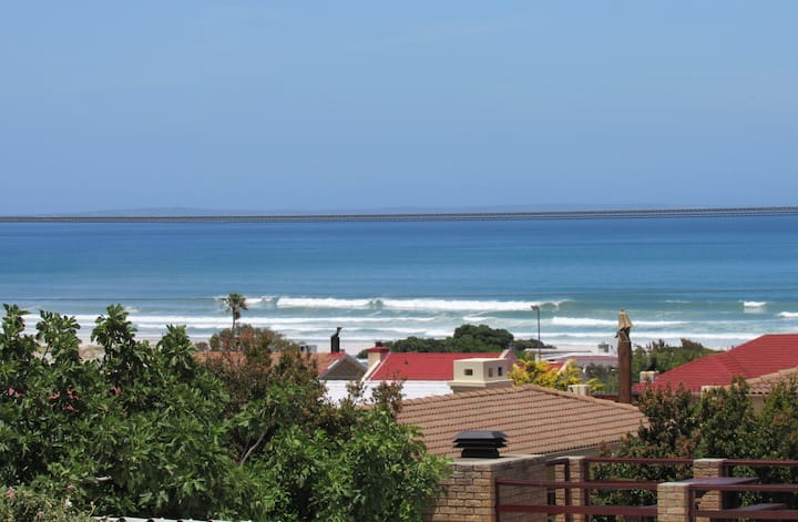 Kingfisher Beach House - sleeps 6