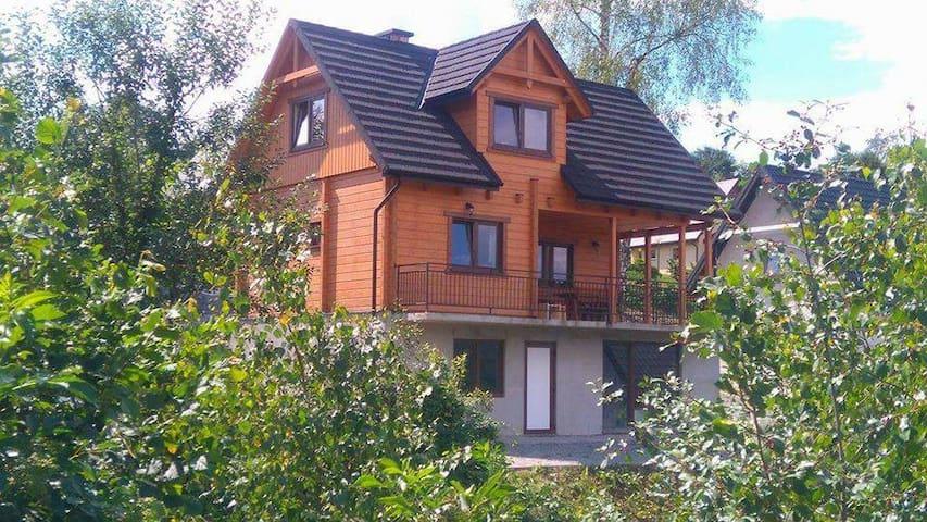 Bieszczadzki Kurnik - domek dla 8 osób