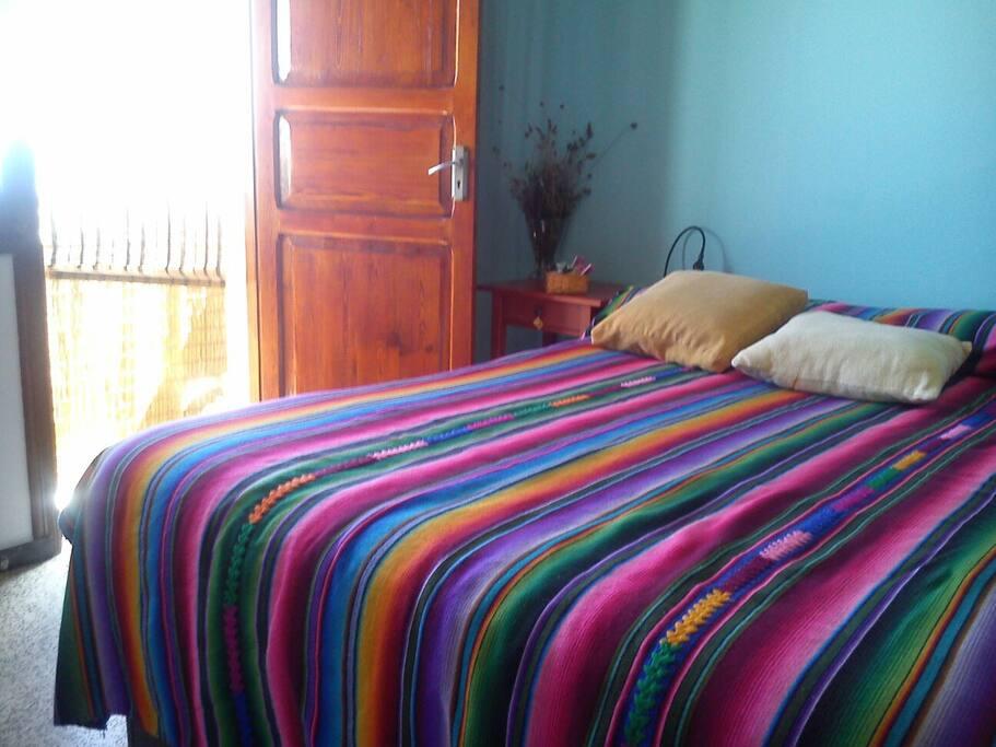 dormitorio muy luminoso y ventilado
