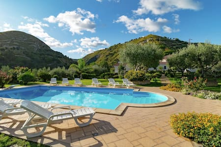 Fabulous Apartment in Gasponi Italy with Shared Pool