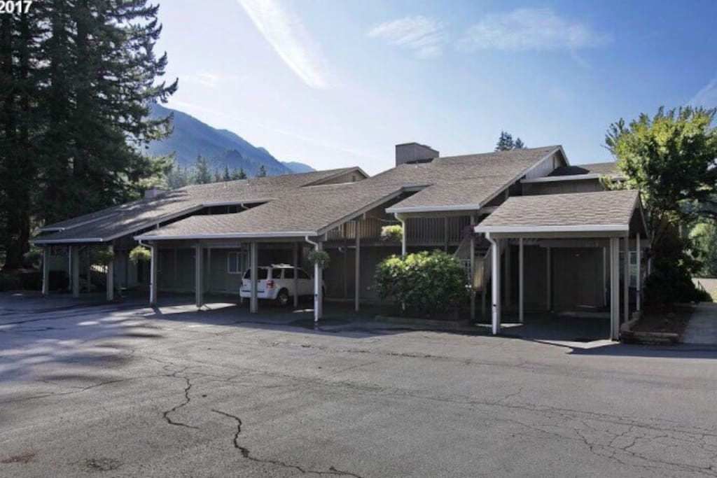 Clear Hills Condominiums is a small, quiet complex. Relax in the foothills of Mt. Hood. Welcome home :)