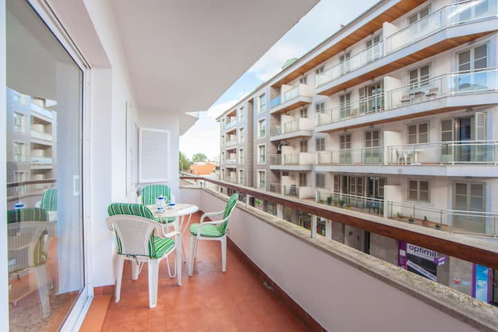 CURLING - Apartment with terrace near the beach. Free WiFi