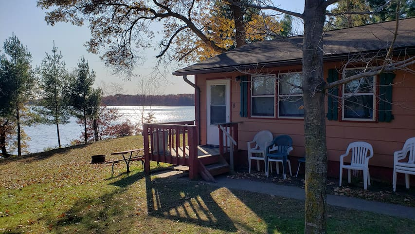 2 bedroom lakefront apartment!