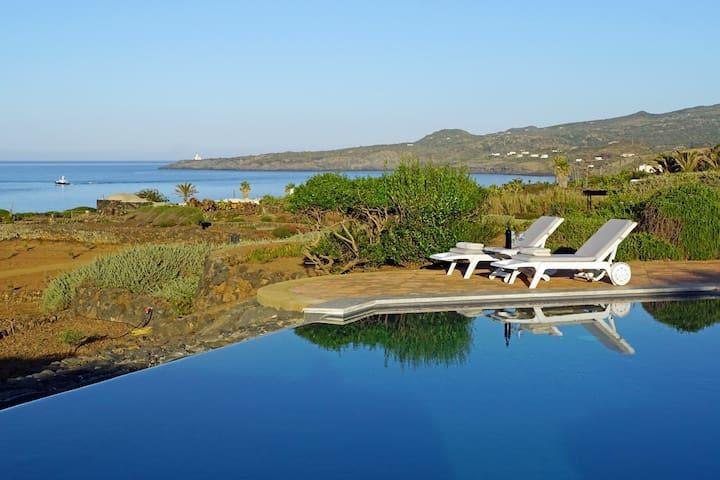 relax bordo piscina