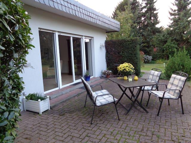 nice garden flat in meerbusch - Meerbusch - Apartment