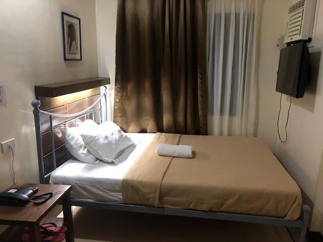 Standard Single Room (208)
