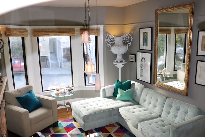 Fabulous Artist Flat—Potrero Hill—Business Ready
