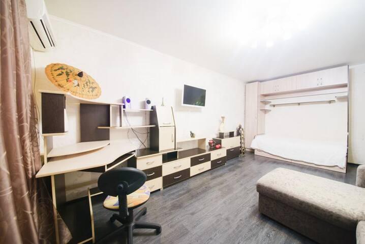 1-комнатная квартира на Пугачевской - Saratov - Apartemen