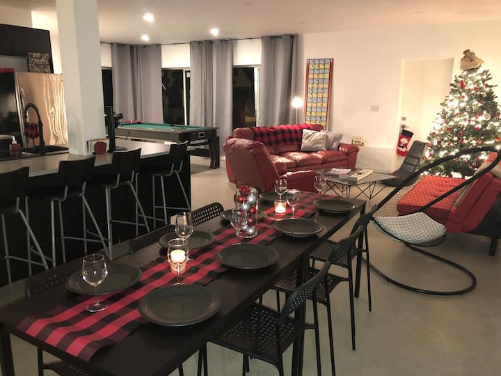 Zack's House Modern Room