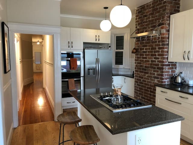 Two Bedroom Victorian in the Heart of the Castro