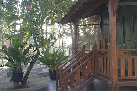 Economy Chalet (Homestay Anugrah Borobudur)