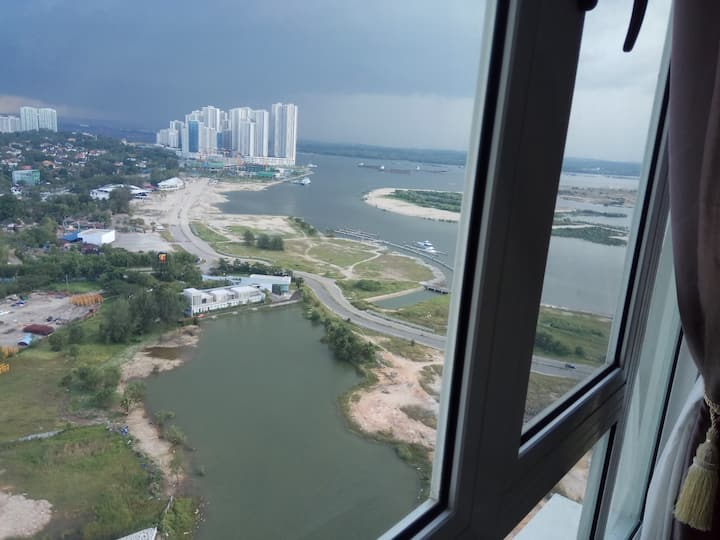 Tropez High Floor unit with Fantastic Seaview