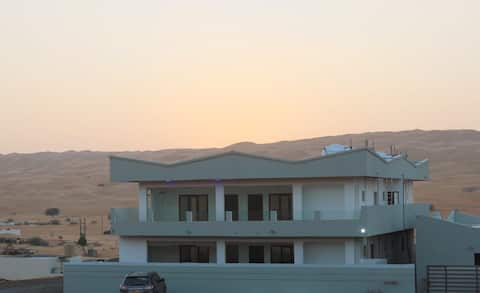 Apartment with a view to Sharqiyah sands