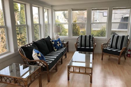 Elkhart Lake Apartment right in Downtown