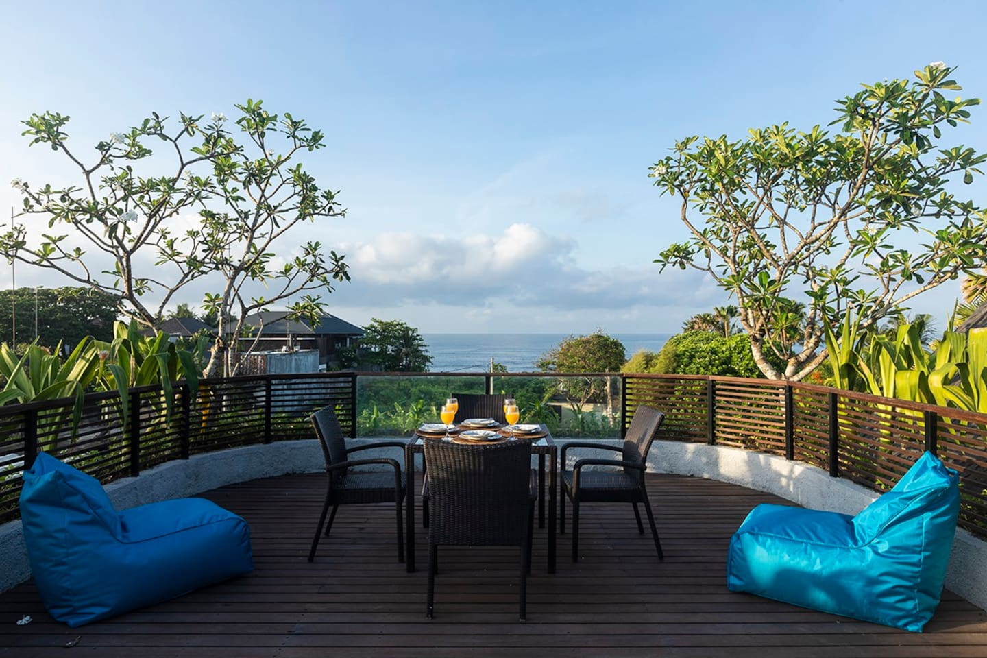 A spacious rooftop to enjoy the view of the sea and rice fields  or a gorgeous place for sunbathing.  No disturbance at all. Very quiet and a truly relaxing place