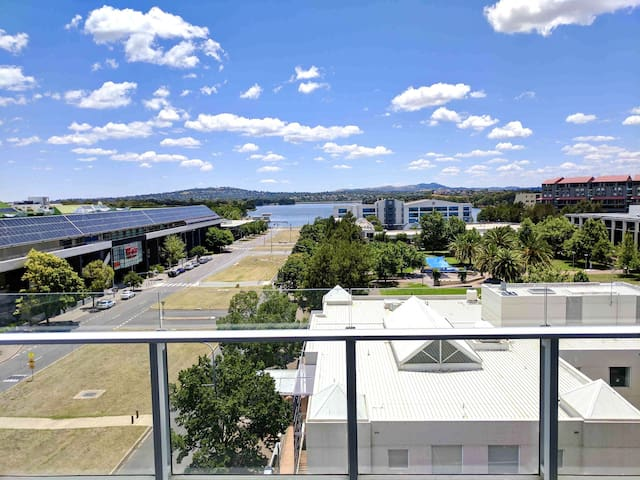 1 Bedroom Luxury Apartment - Belconnen - Apartment