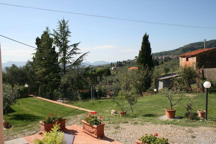 Monolocale sulle colline tra Lucca e Montecatini T - Al Colle - Huoneisto