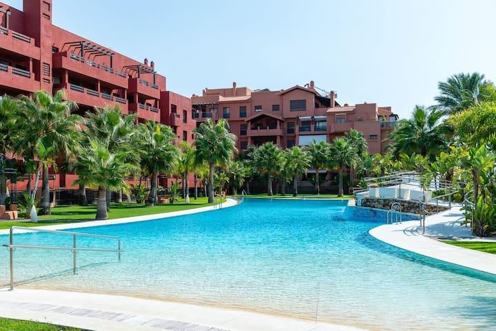 Apartamento de lujo a estrenar en Playa Granada