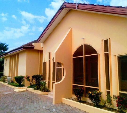 Furnished  two- bedroom villa in Accra with pool!