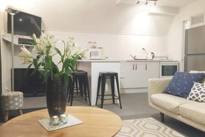 Private Apartment 5 mins walk to Main St Arrowtown