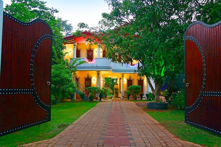 HOTEL RIVER FRONT - Tissamaharama - Bed & Breakfast
