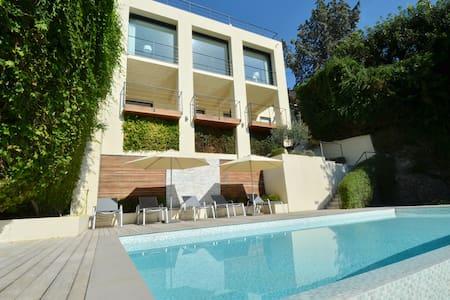 Amazing villa with overlooking view on Monaco bay - Roquebrune-Cap-Martin - วิลล่า