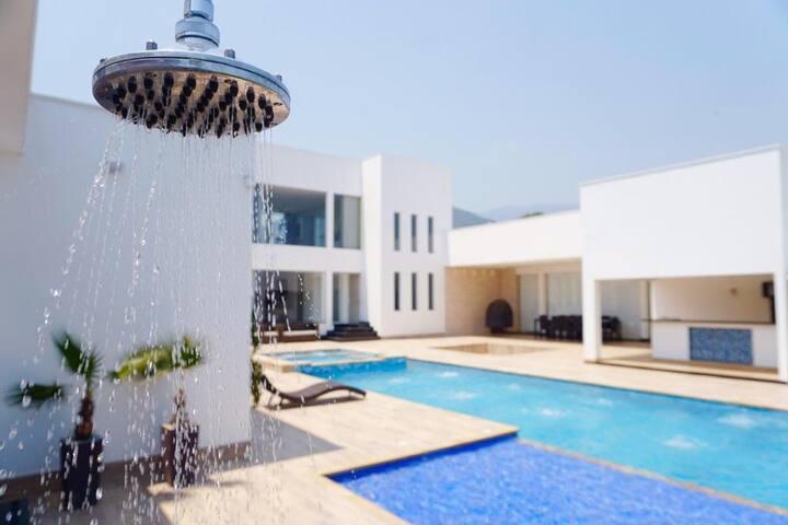 Cabaña •VIP• de lujo en Corozal incluye discoteca