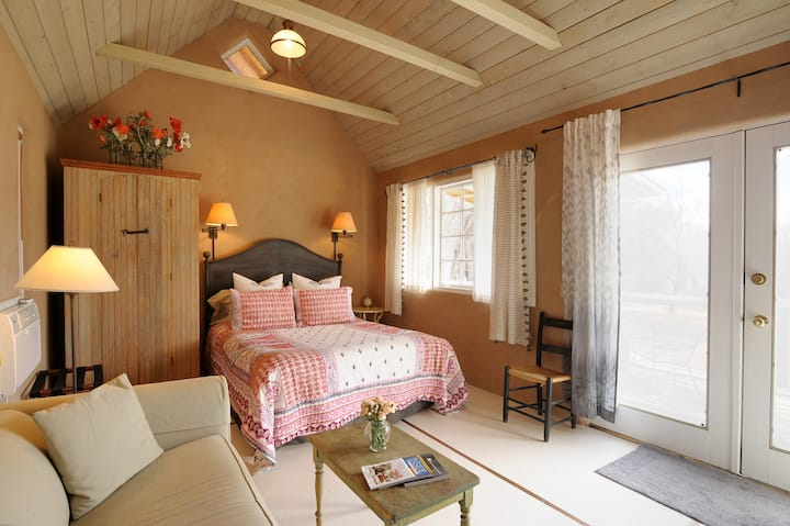 Private guest suite in beautiful country setting